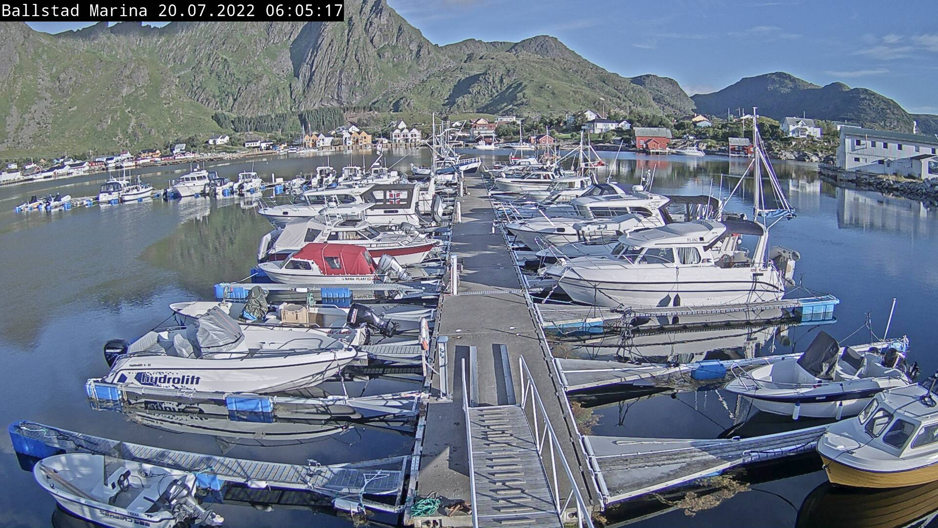 Bilde fra havnen på Ballstad